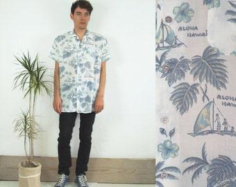 90's vintage men's white Hawaiian printed shirt