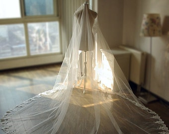 Cathedral Lace Edge Bridal Veil Long Veil Spanish Veil Wedding Veil