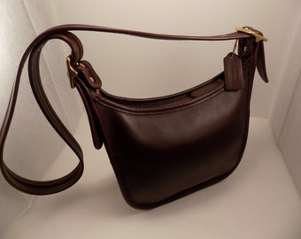 Vintage COACH Deep Chocolate Brown Leather Cross body Shoulder Handbag Purse Leather hangtag Janice Purse Creed SN 9950