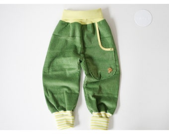 Baggy Pants Corduroy green with lemon-yellow-striped cuffs