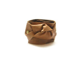 Handmade leather knot bracelet