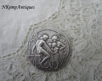 Antique medal signed jean .lecroart for the collector