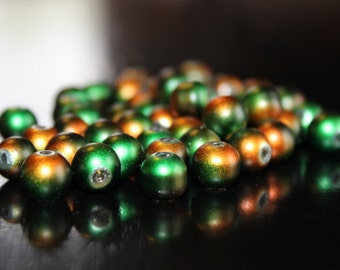 50 glass beads, 8 mm, round and smooth, frosted baking painted, hole 1 mm, green and deep orange
