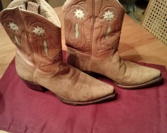 Vintage Women's western boots suede boots tan boots handmade boots cowgirl boots size 8