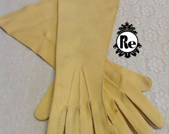 Vintage Ladies Gloves Yellow Age: 1950's - 1960's No. 62