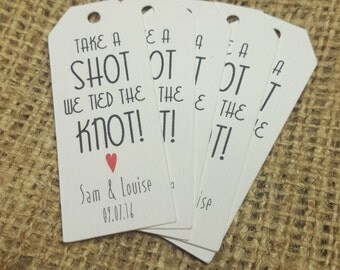 10 Take a Shot Personalised wedding favour/favor tags, optimised for miniature bottles of spirits 6 x 3 cm