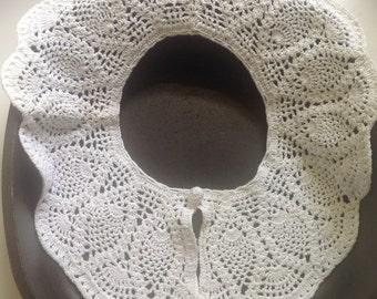 Vintage crochet collar, white