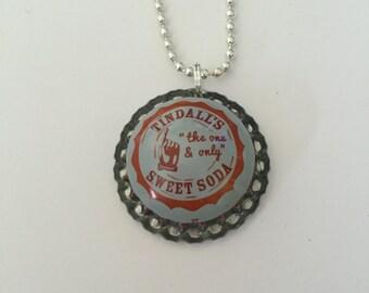 Vintage Bottle Cap Necklace, handmade Domed Bottle Cap Necklace Vintage Jewelry