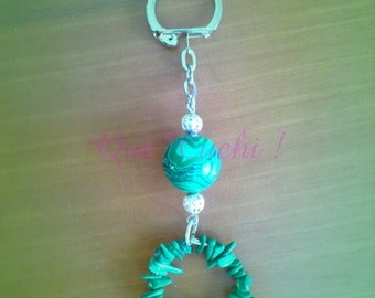 Keychain with  Malachite pearl and chips