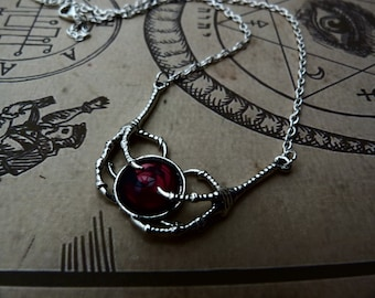 The ravens claws - necklace with vintage purple czech glass cabochon