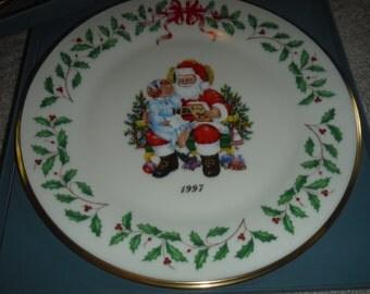 LENOX Christmas Holiday Annual Christmas Plates 1997  7 th of series