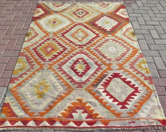 Vintage boho kilim Turkish rug - 4x6 - Free shipping in the US