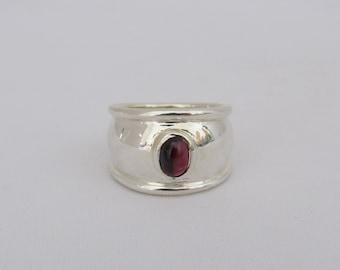 Vintage Sterling Silver Natural Red Garnet Cabochon Bold Ring Size 7