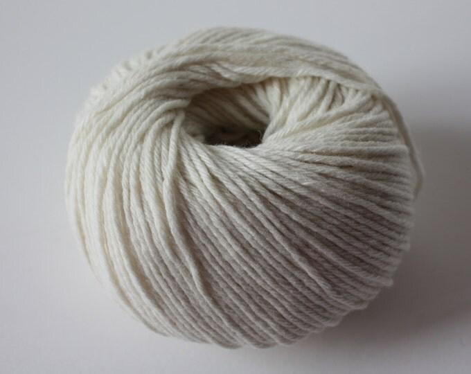 Coastal 8 - 8ply Lambswool/Cotton Blend Col: 004 Ecru