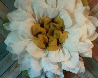 White Daisy Burlap Wreath // Front Door Wreath // Burlap Wreath // Spring Wreath // Birthday GIft // Rustic Decor // Summer Wreath