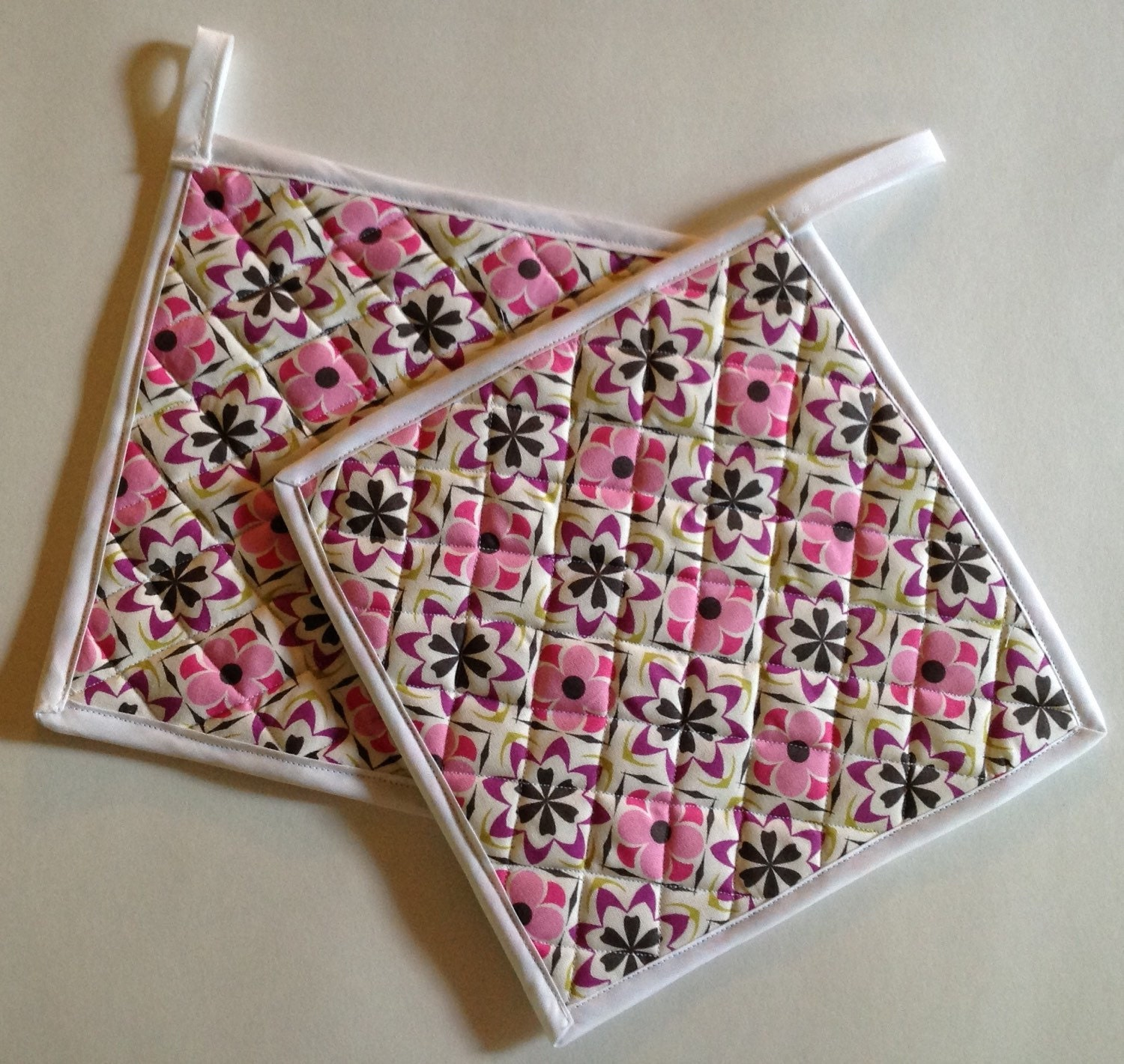 Set of 2 Quilted Potholders, Fabric Pot Holders, Pink/Black/White ... : quilted pot holders - Adamdwight.com