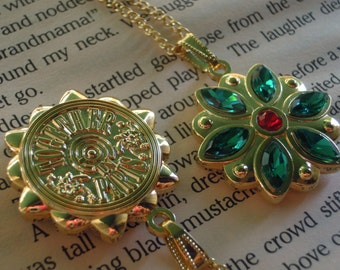 Anastasia Together In Paris Necklace Anya Flower Charm Engraved Cubic Zirconia Emerald Siam Gold Plated 18K Cosplay