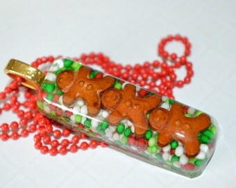 Gingerbread Men Necklace, Christmas Jewelry, Candy Necklace, Candy Jewelry, Gingerbread Men Jewelry, Resin Jewelry, Teacher Gift