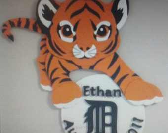 Tiger baby wall hanging with name and birth date.