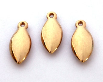 4x Vintage Gold Plated Oval Drop Charms - M089