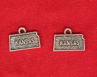 "10pc ""Kansas"" charms in antique silver (BC1085)"