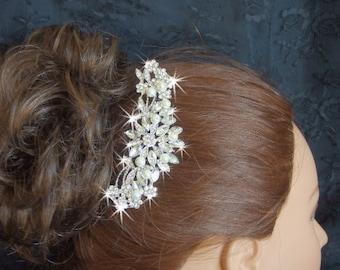 Hair comb for Weddings, Pearl bridal hair comb, wedding hair accessories, bridal accessories, crystal hair comb for brides, haircomb