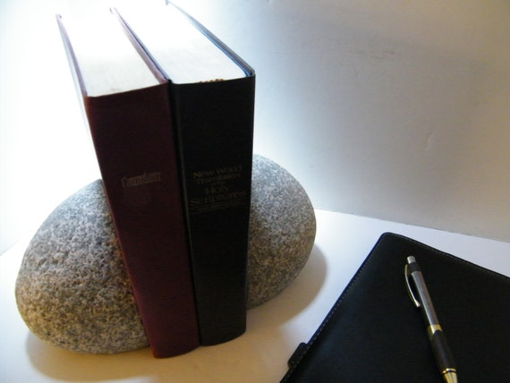 how to make bookends stay