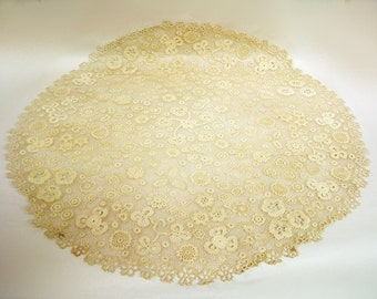 Fabulous Vintage Hand Tatted HUGE LACE DOILY