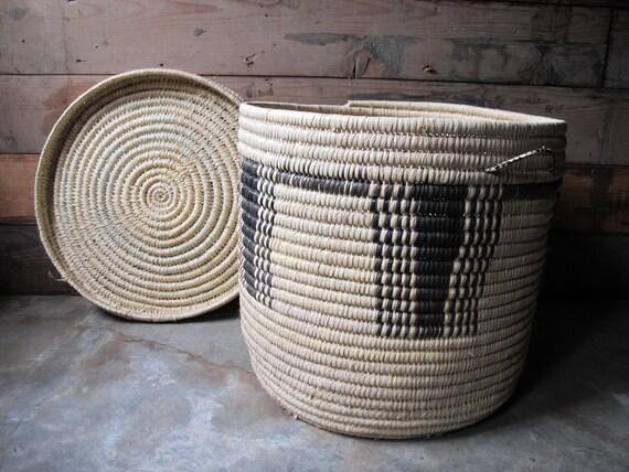 gigantic vintage woven tribal african basket with lid. Black Bedroom Furniture Sets. Home Design Ideas