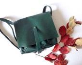 Leather Messenger Bag, Shoulder Bag, Green Messenger Bag, Middle Bag, Cross Body Adjustable Strap Bag, Everyday Women's Bag, Minimalistic