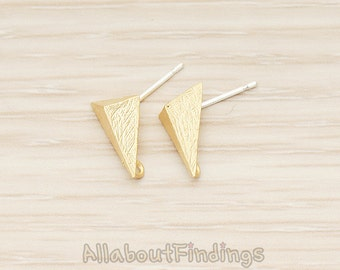 ERG335-MG // Matte Gold Plated Brushed Triangle Pyramid Earpost, 2 Pc
