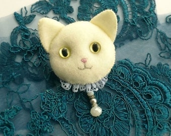 White Cat Brooch, Handmade Animal Felt Jewelry, Cat Lover Gift, Victorian Style Kitty Cat Brooch for Pet Lovers