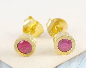 Gold Stud Earring, Ruby Stud Earrings, Ruby Studs, Round Studs, Gold Earring, Gold Round Studs, Gold Studs, Ruby Earrings, Gold Ruby Earring
