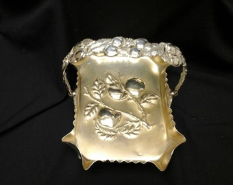 Pairpoint Silverplate Repousse Antique Cake Basket