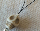 Orifice threader,  Coated Wire Loop, Skull Bead
