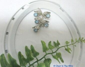 Vintage Blue Rhinestone Flower Buds Cluster Pin, Blue Rhinestones on Silver Tone Brooch, Unsigned