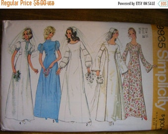 """51% OFF 1972 Bride / Bridesmaid Dress Simplicity Sewing Pattern 9935 Size 16 Bust 38"""""""