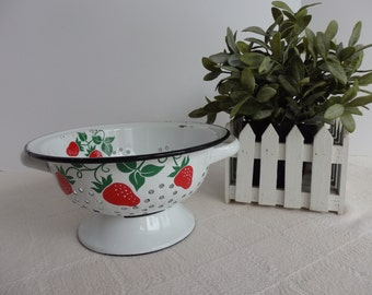 Vintage Telaflora White Enamelware Colander with Strawberry Design. Dated 1983