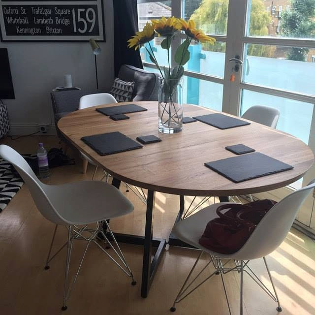 ronde uitschuiftafel moderne ontwerp staal en hout. Black Bedroom Furniture Sets. Home Design Ideas