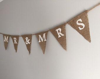Mr and Mrs Burlap Banner | Burlap Wedding Banner | Rustic Wedding Decor | Engagement Party Decor | Bridal Shower Decor | Photo Prop