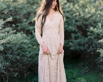 Vintage inspired lace dress with long sleeves