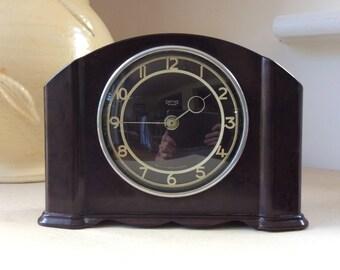 Original 1930s Smiths ART DECO Wind-up Bakelite 30 Hour Mantel CLOCK