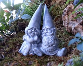 Gnome Statue,Loving Couple Gnomes,Garden Gnomes,Gnome Cake Topper,Gnome Couple Statue,Garden Gnomes Statue,Traditonal Garden Gnomes