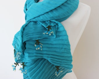 Turkish Oya Shawl, Pleated Scarf, Pleated Shawl with knitted flowers, Plisse Fabric Scarves, Long Shawl with OYA, Women Shawls, Gift For Her