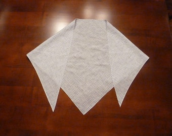 18th Century Ladies Linen Neck Handkerchief ~ your choice of fabric ~ 100% hand stitched ~ for Colonial Revolutionary War Costume (ACC-LH1)
