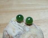 Sterling silver Green nephrite Jade earrings. Reiki jewelry uk. 2th anniversary gemstone. Stud earrings. Post earrings