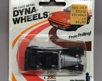 Vintage Classic Vauxhal Diecast Car Zee Dyna Wheels Series On Card