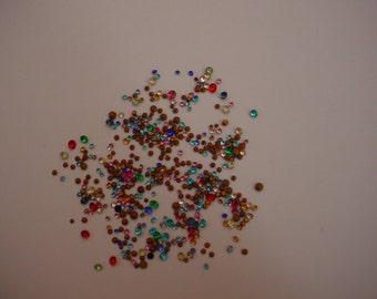 200+  Tiny and Teeny Tiny Loose Vintage Rhinestones