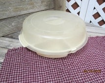 Vintage Rubbermaid Servin' Saver Divided Vegetable Container Tray Relish