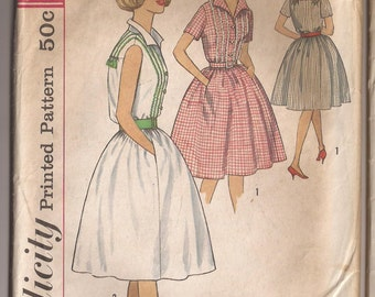 Simplicity 4427 Misses Dress Pattern, Size 12, Bust 32 Vintage 1949